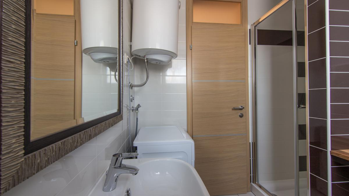 A4 bathroom(2)