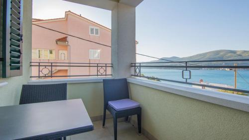 A2 balcony