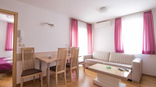 A2 livingroom(1)