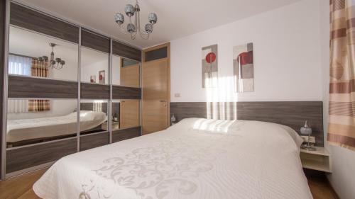 A4 bedroom(1)