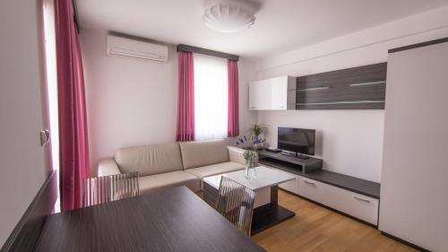 A5 livingroom(1)