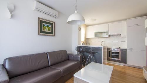 A6 livingroom(1)