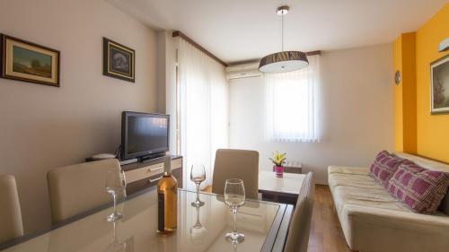 B1 livingroom(1)