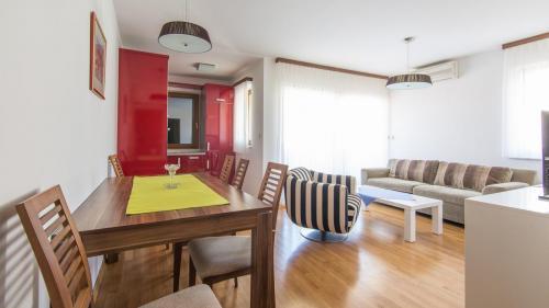 B2 livingroom