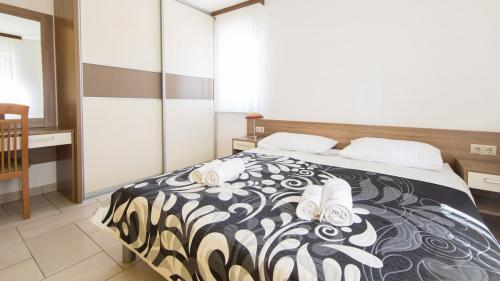 B3 bedroom 1(1)