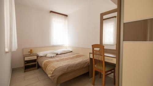 B3 bedroom 2