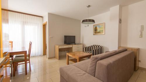 B3 livingroom(1)