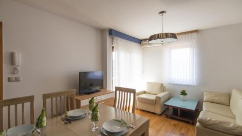 B4 livingroom(1)