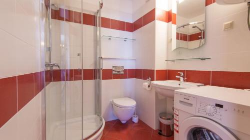 B5 bathroom