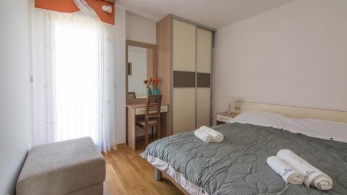 B5 bedroom