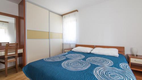 B6 bedroom 1(1)