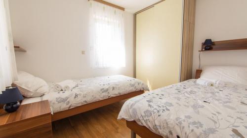 B6 bedroom 2(1)
