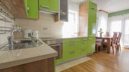 B6 kitchen(1)